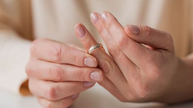 divort lipsa-min